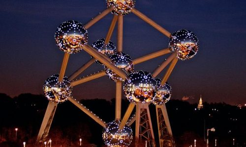 Menikmati Malam Di Kota Flanders